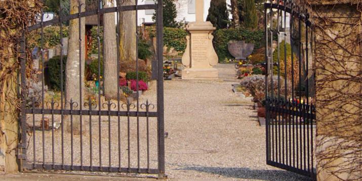 Friedhof Eingang