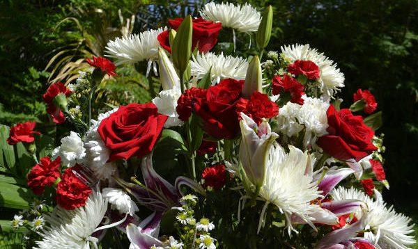 Beerdigung Blumen Betreuer